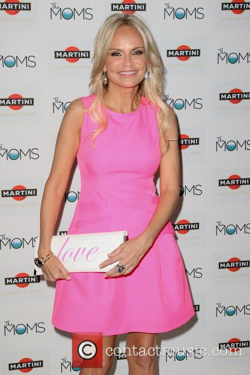 kristin chenoweth martini the moms and kristen 5933480