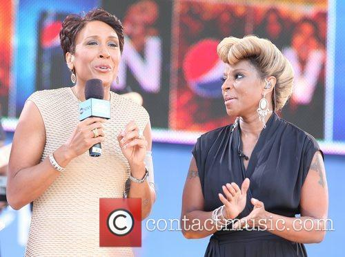 Robin Roberts and Mary J Blige 1