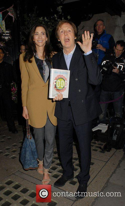 Nancy Shevell and Sir Paul Mccartney 9