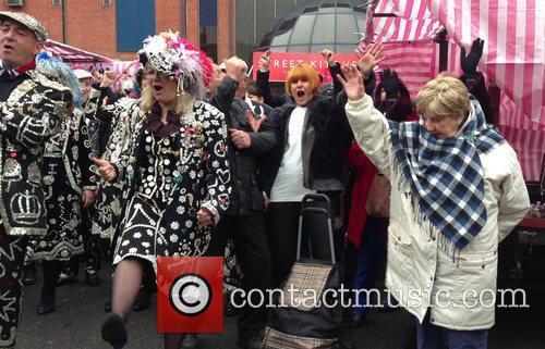 High Street guru Mary Portas seen doing the...