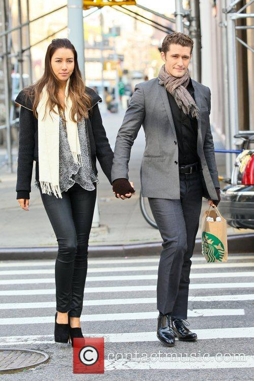 matthew morrison of glee walking with his 5934790