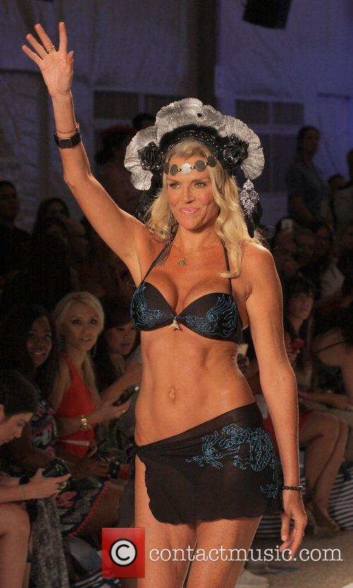 Lisa Burke Mercedes Benz Fashion Week - Swim At The Raleigh Hotel For