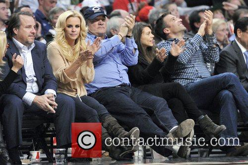 Jenny Mccarthy, James Belushi, Chicago Bulls, Milwaukee Bucks and United Center 6