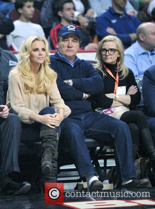 Jenny Mccarthy, James Belushi, Chicago Bulls, Milwaukee Bucks and United Center 4