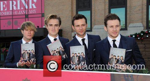 Dougie Poynter, Tom Fletcher, Harry Judd and Danny Jones 5