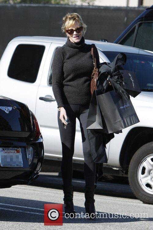 melanie griffith returns to her car after 5966366