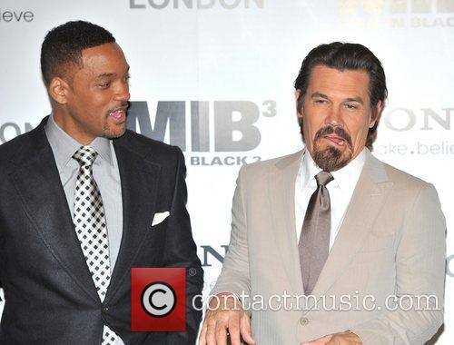 Will Smith and Josh Brolin 4