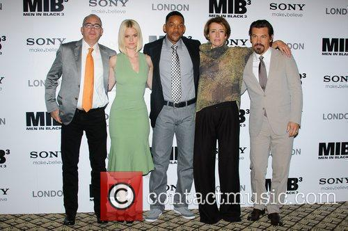 Barry Sonnenfeld, Alice Eve, Emma Thompson, Josh Brolin and Will Smith 2
