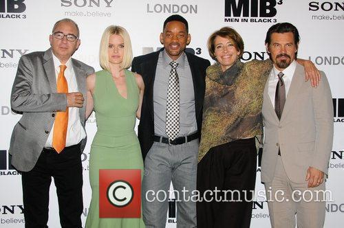 Barry Sonnenfeld, Alice Eve, Emma Thompson, Josh Brolin and Will Smith 3