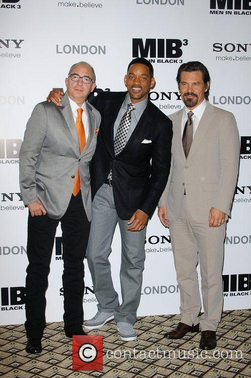 Barry Sonnenfeld, Josh Brolin and Will Smith 4