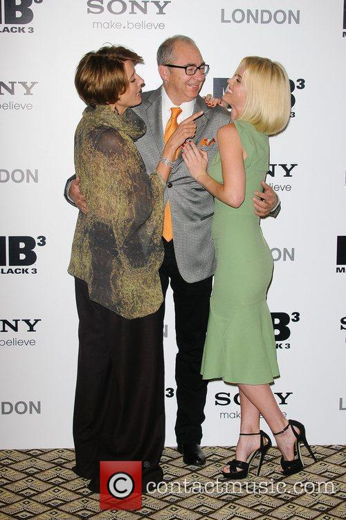 Emma Thompson, Alice Eve and Barry Sonnenfeld 6