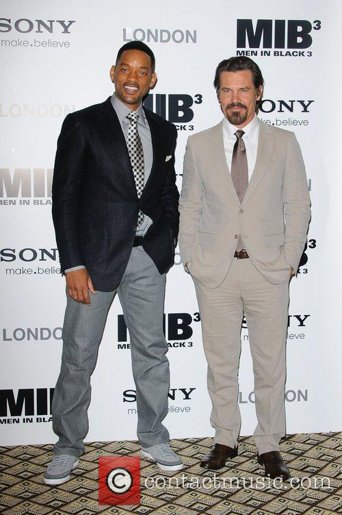 Will Smith and Josh Brolin 8