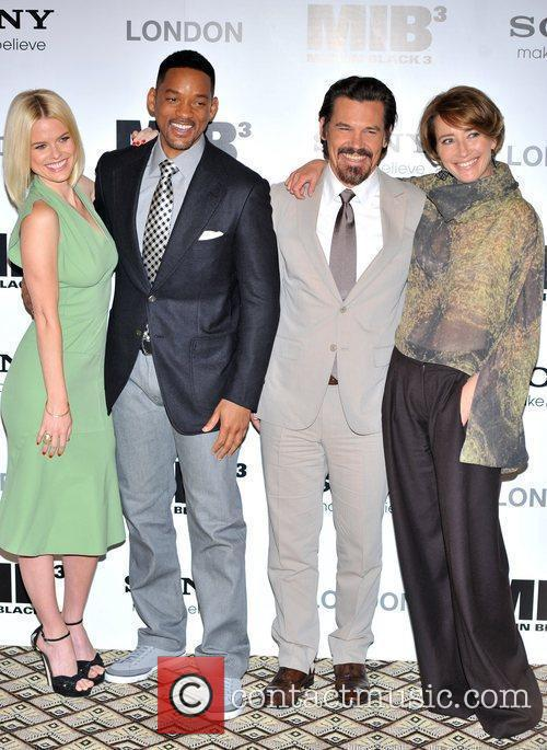 Will Smith, Alice Eve, Emma Thompson and Josh Brolin 7