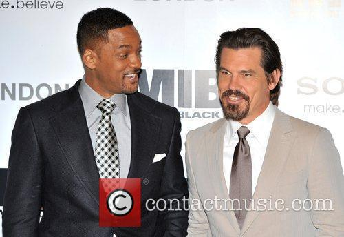 Will Smith and Josh Brolin 9