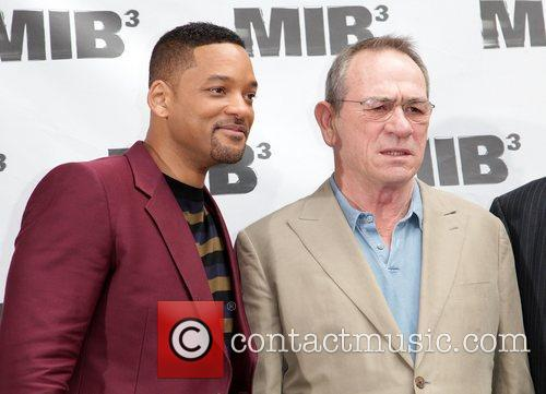 Will Smith and Tommy Lee Jones 11