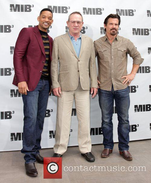 Will Smith, Josh Brolin and Tommy Lee Jones 7
