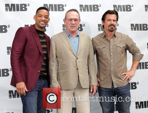 Will Smith, Josh Brolin and Tommy Lee Jones 9