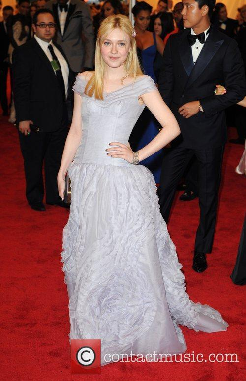 Dakota Fanning and Metropolitan Museum Of Art 2