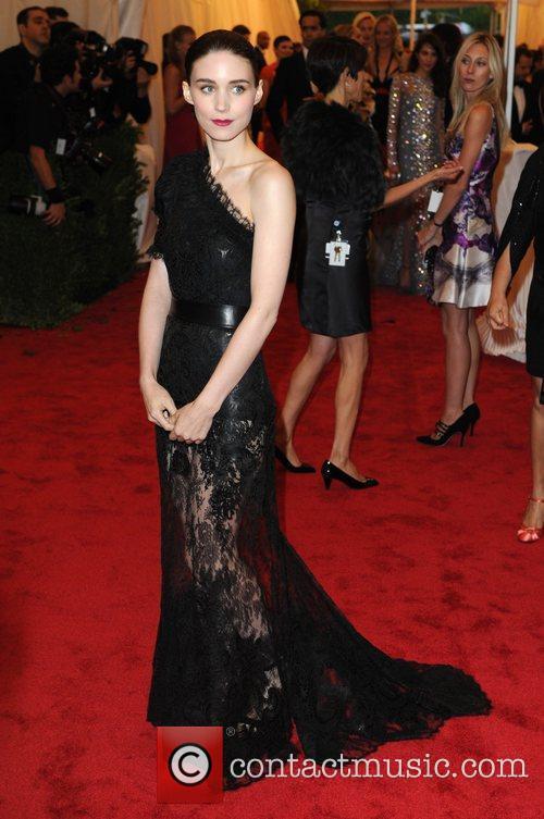 Rooney Mara, Hugh Dancy and Metropolitan Museum Of Art 3