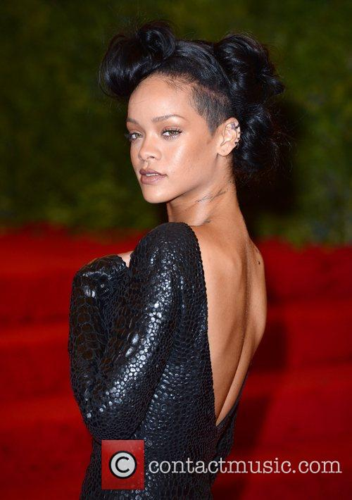 Rihanna and Metropolitan Museum Of Art 3
