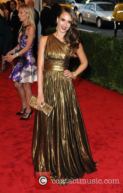 Jessica Alba and Metropolitan Museum Of Art 3
