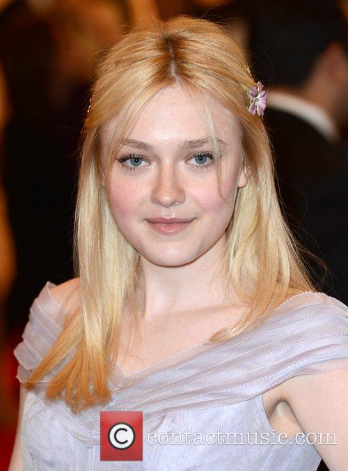 Dakota Fanning and Metropolitan Museum Of Art 1