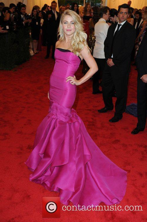 Julianne Hough and Metropolitan Museum Of Art 3