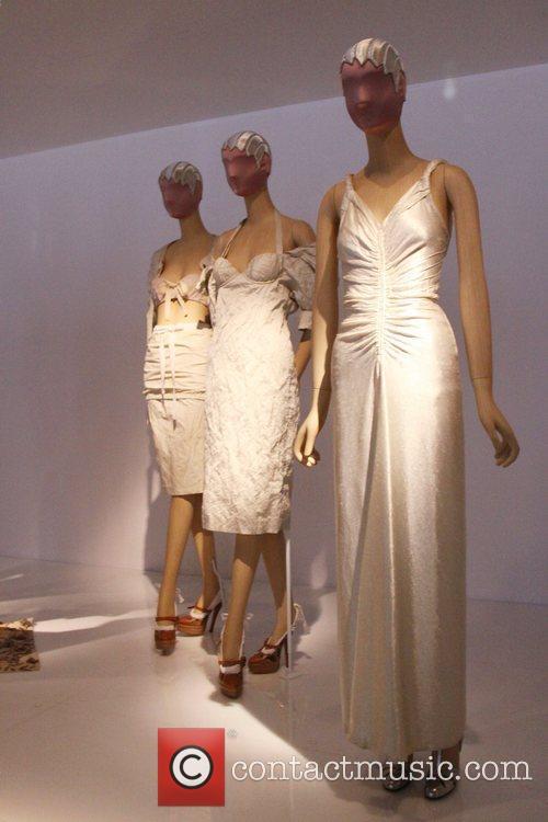 Atmosphere, Baz Luhrmann and Metropolitan Museum Of Art 5
