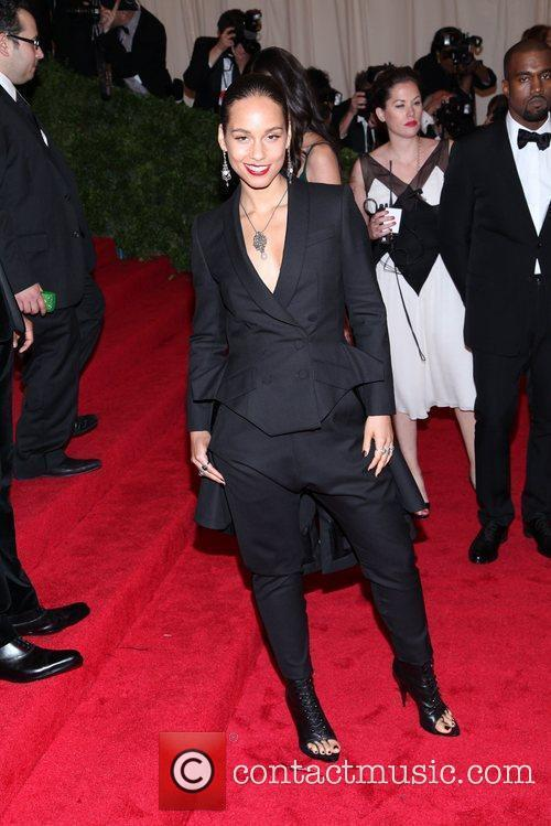 Alicia Keys and Metropolitan Museum Of Art 6
