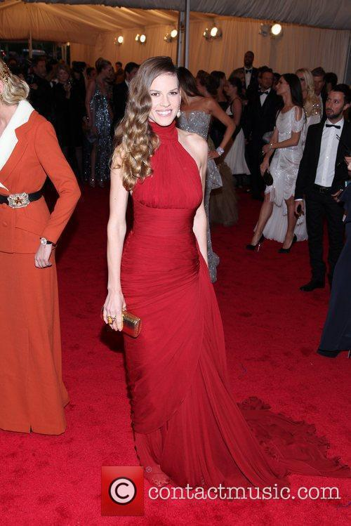 Hilary Swank and Metropolitan Museum Of Art 7