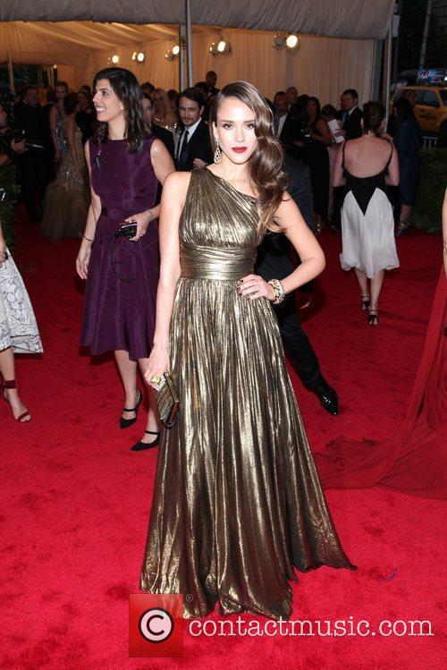 Jessica Alba and Metropolitan Museum Of Art 4