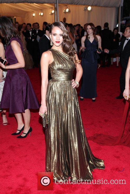 Jessica Alba and Metropolitan Museum Of Art 5