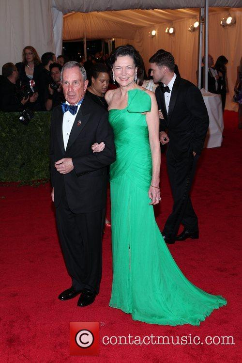Mayor Michael Bloomberg, Diana Taylor and Metropolitan Museum Of Art 9