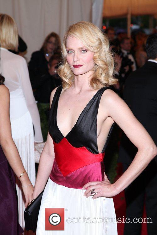 Amber Valletta and Metropolitan Museum Of Art 3