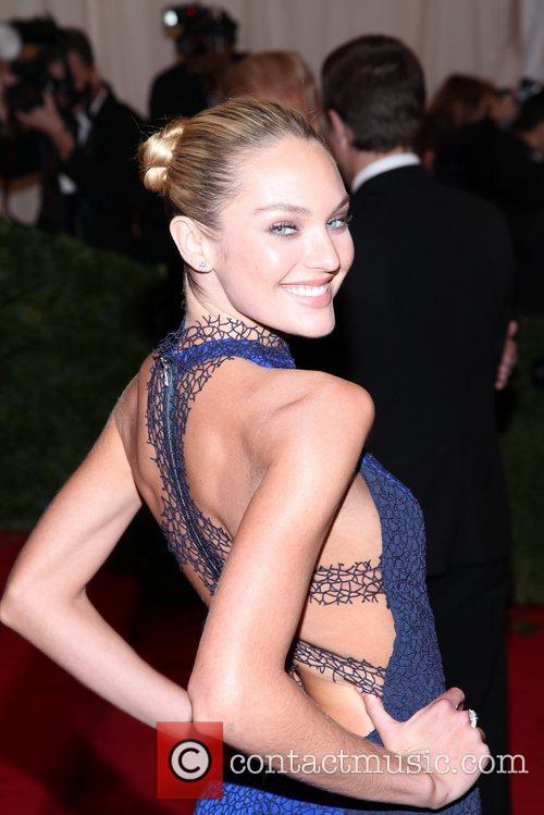 Candice Swanepoel and Metropolitan Museum Of Art 7