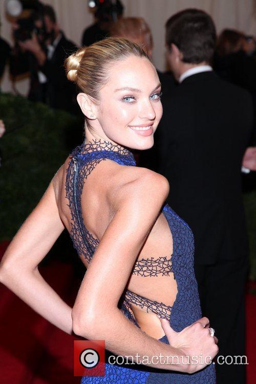 Candice Swanepoel and Metropolitan Museum Of Art 9