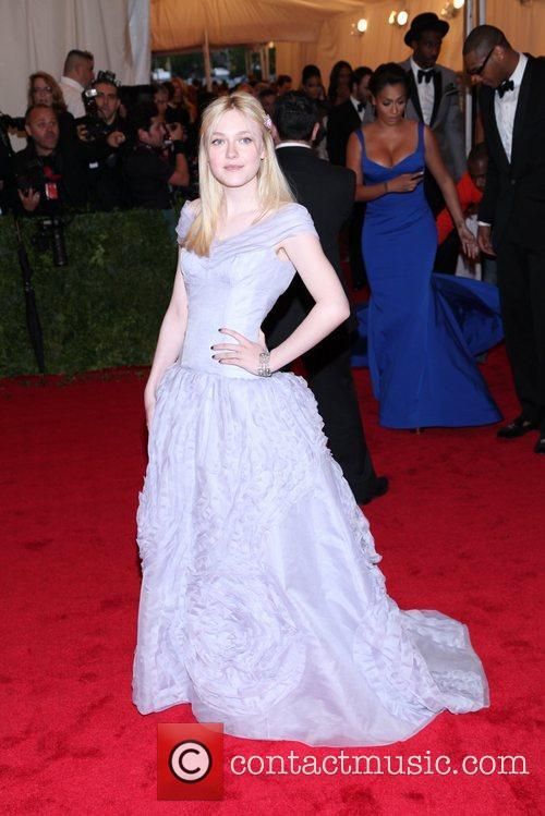Dakota Fanning and Metropolitan Museum Of Art 10