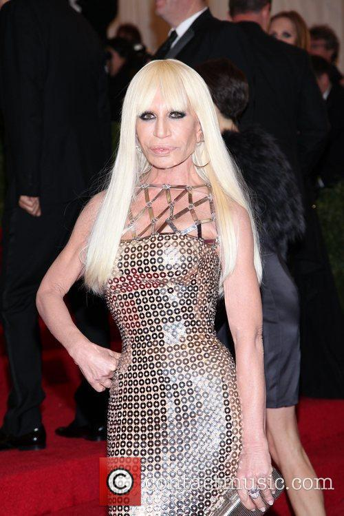 Donatella Versace and Metropolitan Museum Of Art 4