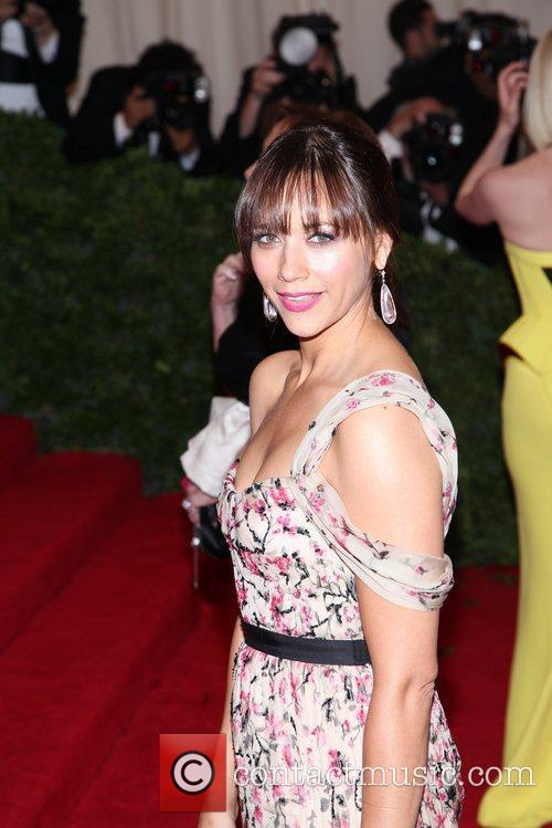 Rashida Jones and Metropolitan Museum Of Art 1