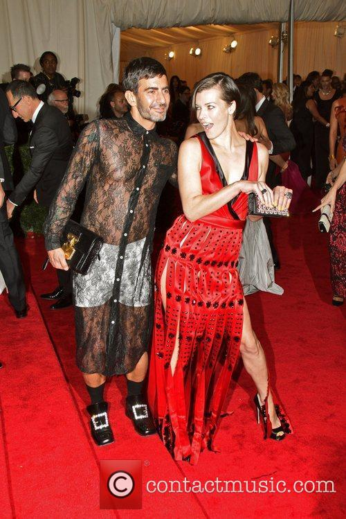 Milla Jovovich, Marc Jacobs and Metropolitan Museum Of Art 5