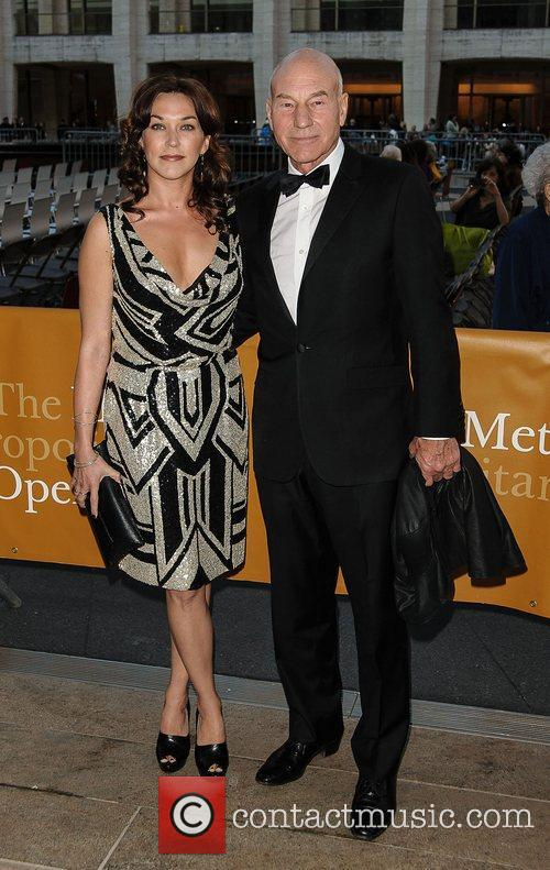 Sir Patrick Stewart and wife