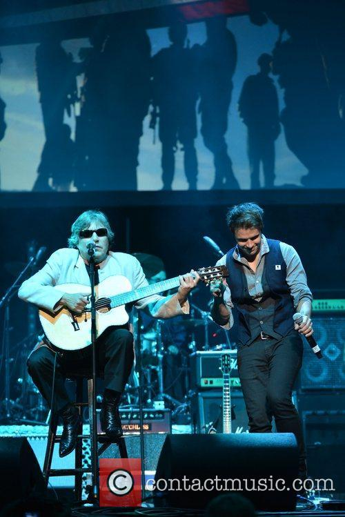 Jose Feliciano and Kris Allen 8