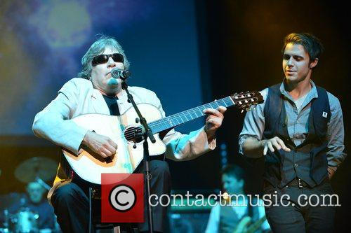 Jose Feliciano and Kris Allen 7