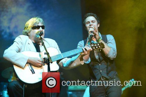 Jose Feliciano and Kris Allen 6