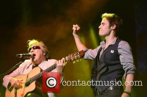 Jose Feliciano and Kris Allen 1