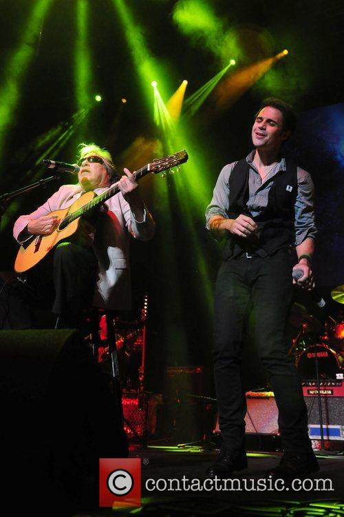 Jose Feliciano and Kris Allen 5