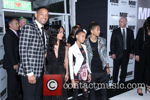 Will Smith, Jada Pinkett-smith, Jaden Smith and Willow Smith 5