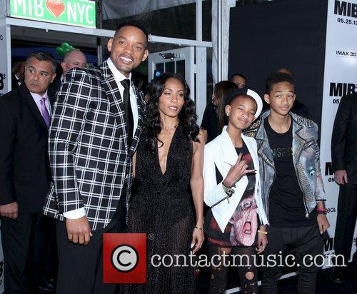 Will Smith, Jada Pinkett-smith, Jaden Smith and Willow Smith 6