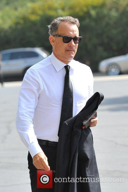 Tom Hanks suit