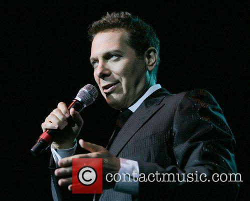 Michael Feinsten  performing live at the Seminole...